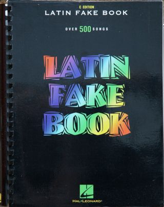 Latin Fake Book: C Edition. na
